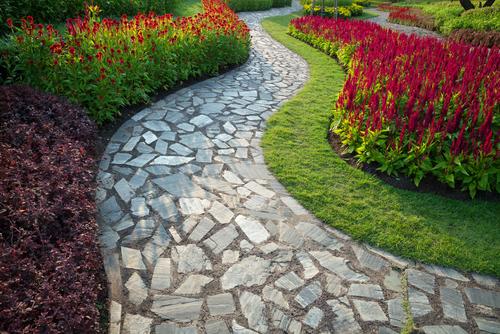 Les matériaux des allées de jardin