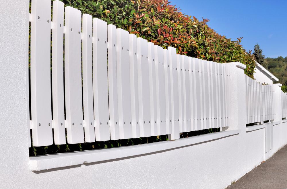 avantages et inconvénients de la clôture PVC