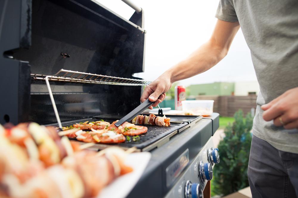 Aménager coin barbecue petit jardin
